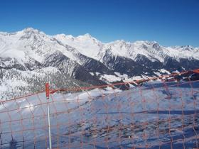 Alpen im Blick von der Piste.