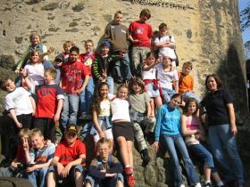 Klassenfoto auf der Burg