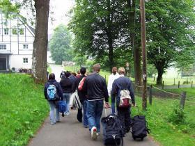 Ankunft beim Haus Heed. Einige Meter waren zu gehen, ca. 200, da der Bus nicht bis zum Haus fuhr.