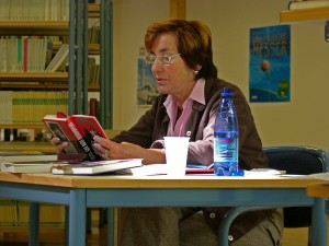 Frau Hassenmüller liest
