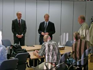Die Inspektoren werden dem Kollegium vorgestellt